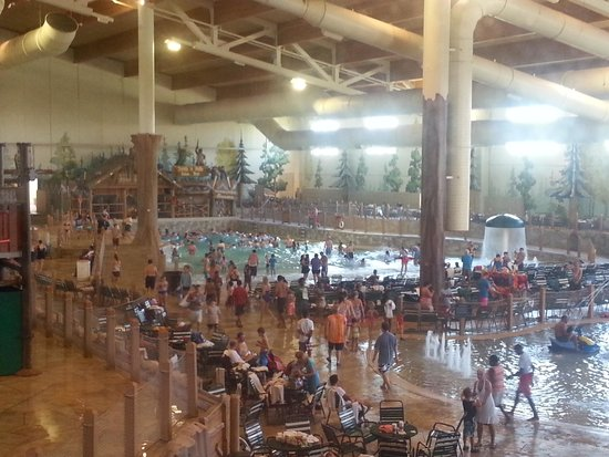 Great Wolf Lodge Grapevine : indoor park (wave pool, lazy river, water rides)