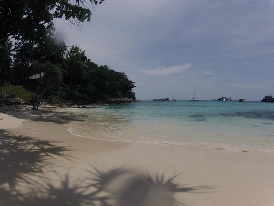 SweetDreamers Charters - Private Day Trips: Racha Island