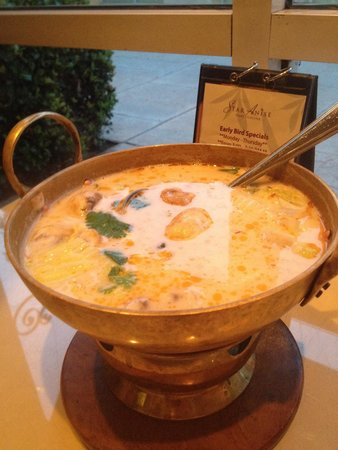Star Anise Thai Cuisine: Tom Kha Hot Pot - Coconut Curry Soup with Chicken