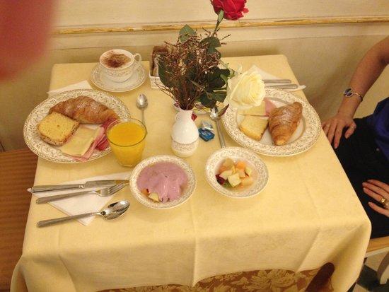 Hotel Belle Epoque: Café da manhã