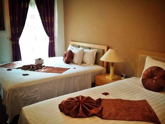 Golden Sun Villa Hotel : Bedroom