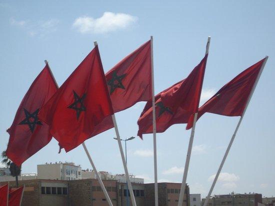 Mosquée Hassan II : Moroccan Flags