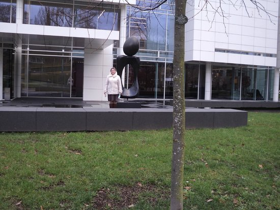 Museum Frieder Burda: я у входа в музей