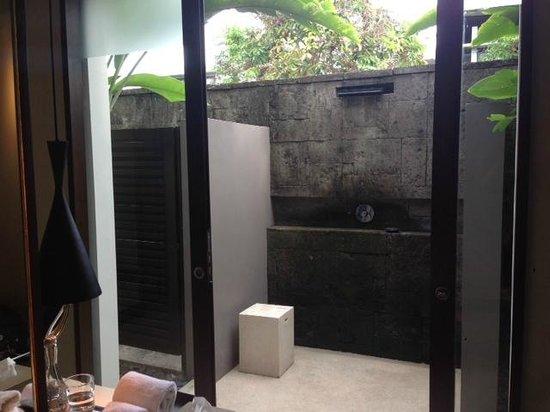 Soori Bali : outdoor shower