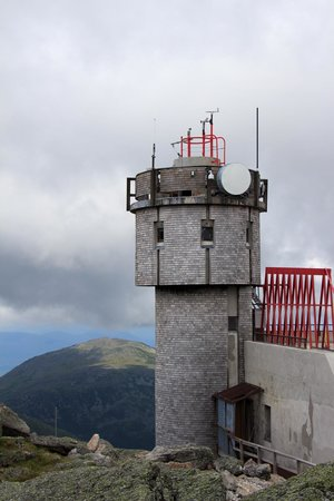 Radio tower & weather station - Picture of Mount Washington