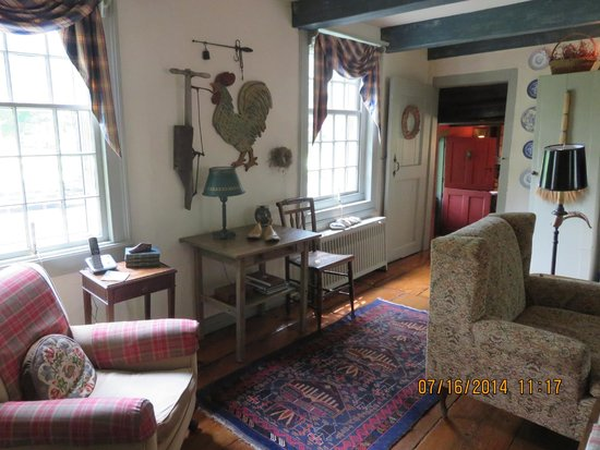 Olde Rhinebeck Inn: Ground floor