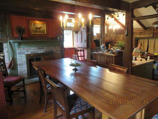 Olde Rhinebeck Inn: wonderful breakfast served