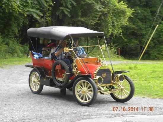 Olde Rhinebeck Inn: Transportation at the aerodrome