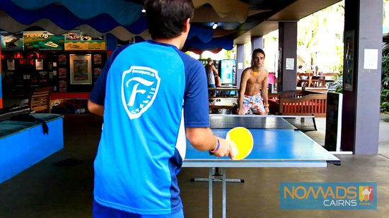 Nomads Cairns Backpackers and Serpent Bar: Table Tennis