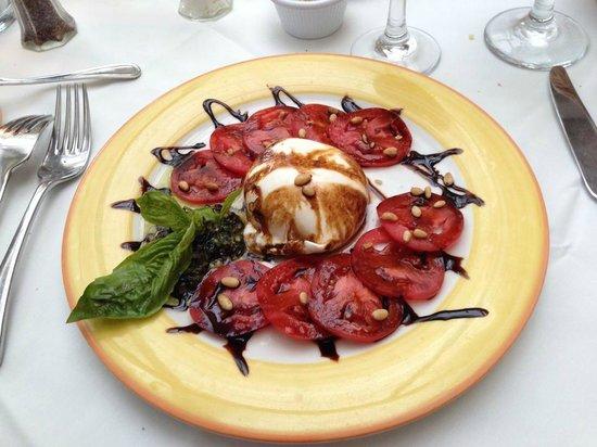 Cafe Sole : Caprese salad