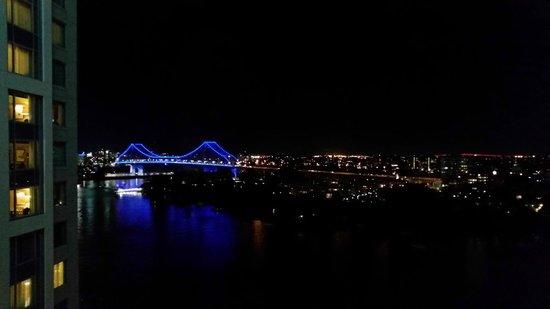 Stamford Plaza Brisbane: View at night
