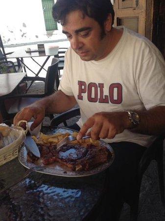 Casa Curro Montoya: dispuesto a un buen segundo plato, del arroz negro no tengo fotos