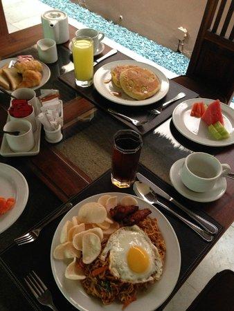 Bhavana Private Villas: breakfast-2