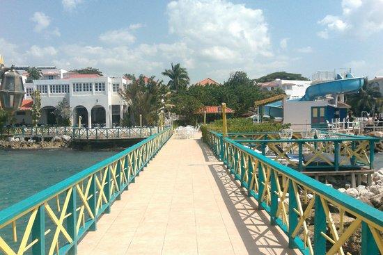 Franklyn D Resort & Spa : Pier