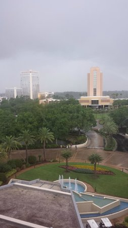 Hilton Orlando Lake Buena Vista: Storm coming - view from room