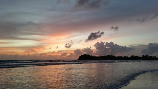 Royal Lanta Resort and Spa: Sunset at Koh Lanta