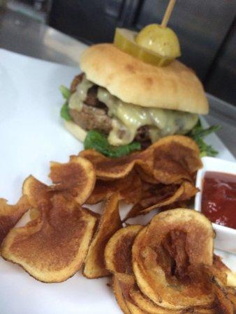 Gio by Gio Gastro Bar: Gio's Premium Burger
