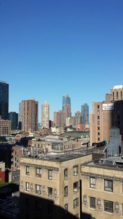 Hilton Garden Inn Times Square: View from room