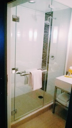 JW Marriott Los Angeles L.A. LIVE: Floor to ceiling shower - my favorite things about the room!