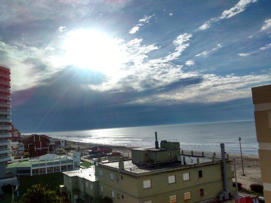 Villa Gesell Spa & Resort: Amanecer desde ventana hab - Agosto!
