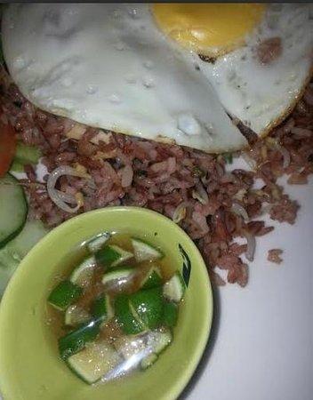Oma Thia's Kitchen: Nasi Goreng Beras Merah