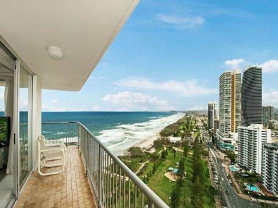 Talisman apartments 2018 prices reviews broadbeach photos of apartment tripadvisor for Cheap 2 bedroom apartments gold coast