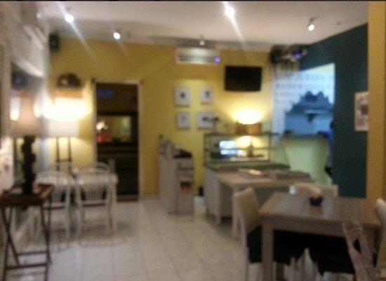 Oma Thia's Kitchen: Restaurant