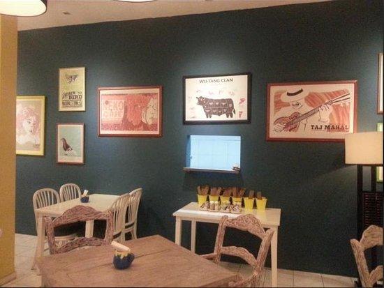 Oma Thia's Kitchen: Lukisan dinding