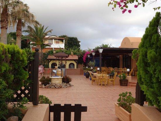 "Anissa Beach Hotel: ресторан ""Таверна"""