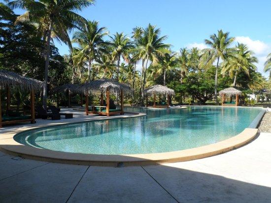 Lomani Island Resort: pool area