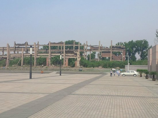 Tangshan Earthquake Memorial Hall: Relics of the buidlings destroyed in the quakes