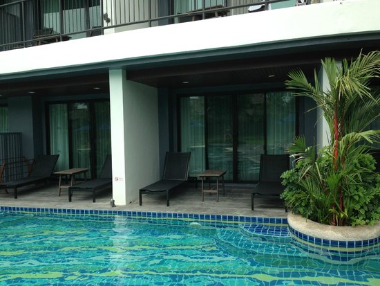 Holiday Inn Resort Krabi Ao Nang Beach : Pool access room - balcony