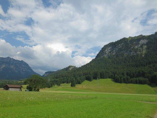 Gintherhof: Nearby walk to Burg Ehrenberg & Schlosskopf (Bastion)