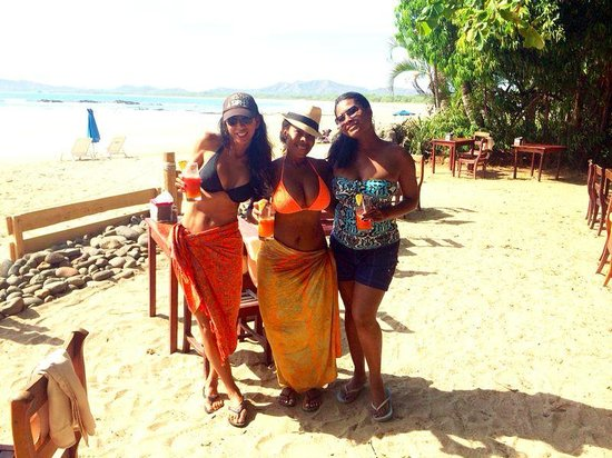 Matos Surf Shop: Surf chicks! We heart Matos and Juan!