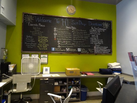 Hostelling International San Diego Downtown: Front Desk 2
