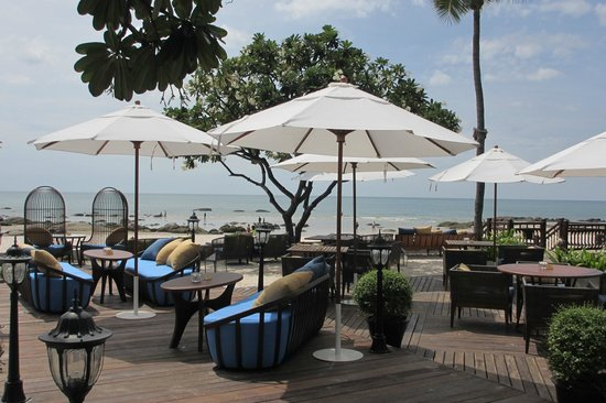Centara Grand Beach Resort & Villas Hua Hin: One of the pools by the beach