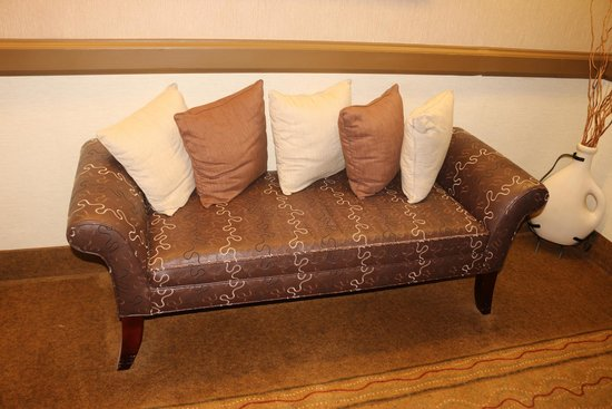Inn at Wilmington: Love this seat in the hall