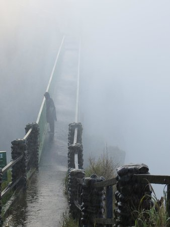 Mosi-oa-Tunya / Victoria Falls National Park: Knife Edge Bridge