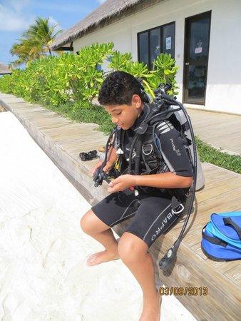 Velassaru Maldives: Préparation avant la plongée