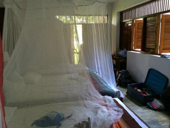 Talalla Retreat: Downstairs room