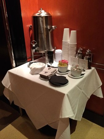The Chatwal, A Luxury Collection Hotel, New York: Complimentary Coffee
