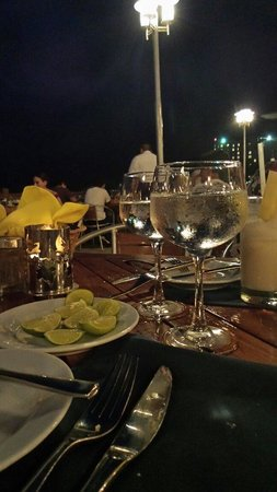 Azul Ixtapa Beach Resort & Convention Center: Cena em oyster bar