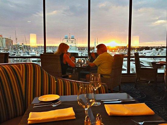 Harbor's Edge Restaurant