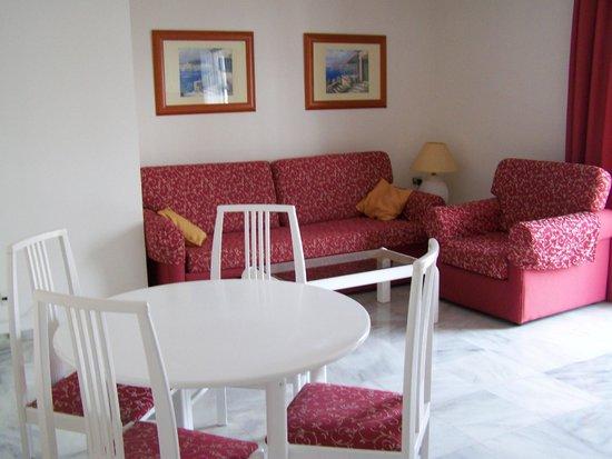 Apartamentos Casablanca: Comedor