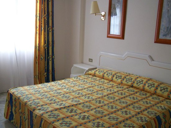 Apartamentos Casablanca: Dormitorio