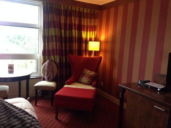Le Champlain Hotel : Le petit coin salon .