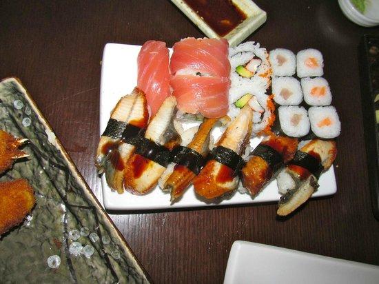 Kahori Sushi: Unagi, nigiri, and some inside out rolls