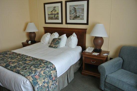 The Landing Hotel: bedroom