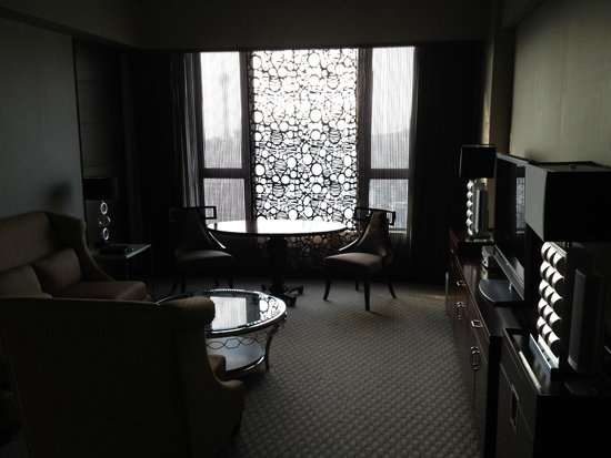 Sofitel Macau at Ponte 16: livingroom