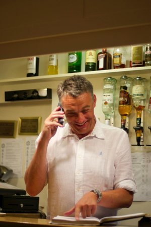 Mariners Bar & Restaurant: When the owner popped out and left us in charge of reservations!!